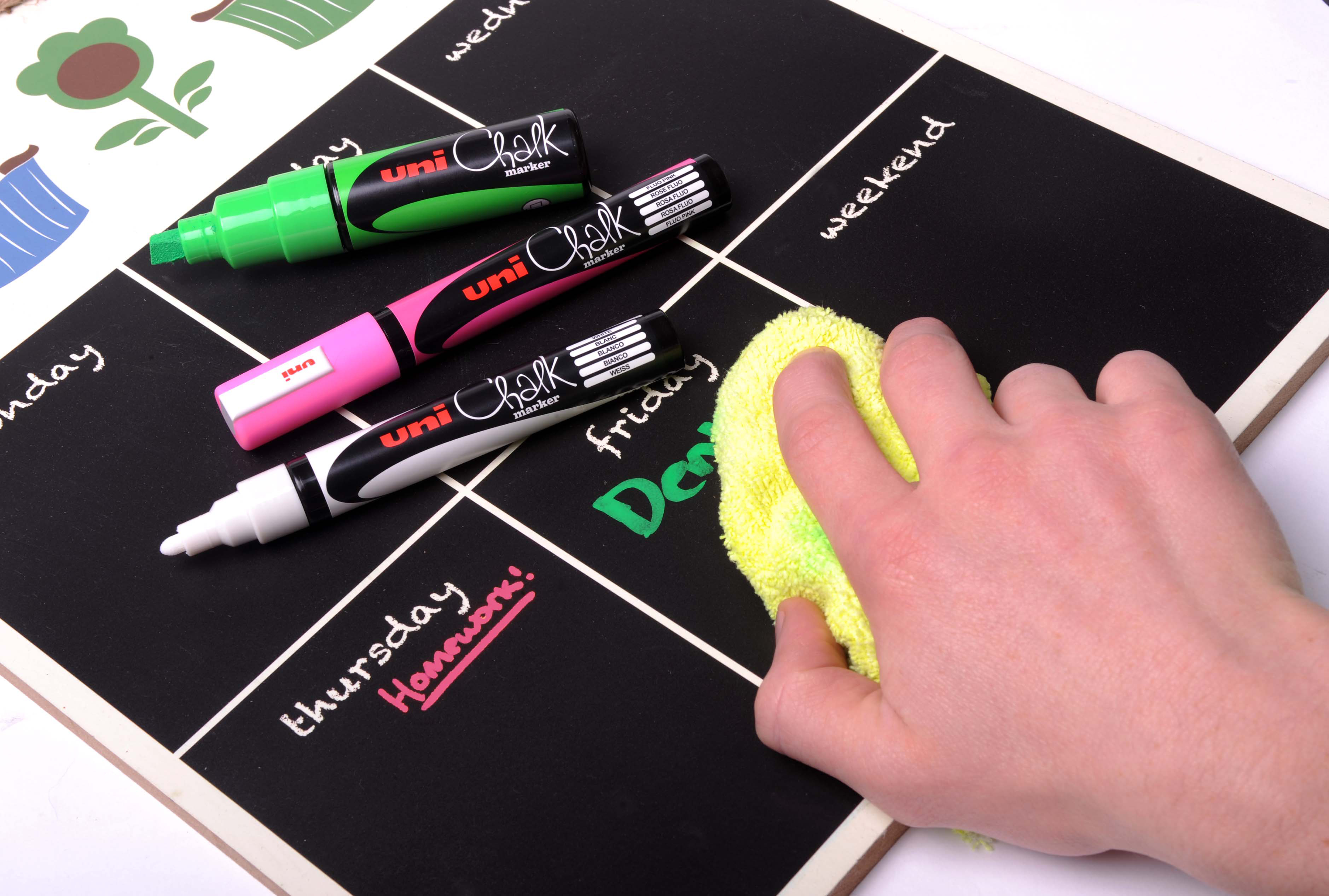 Uni-Ball Chalk Marker